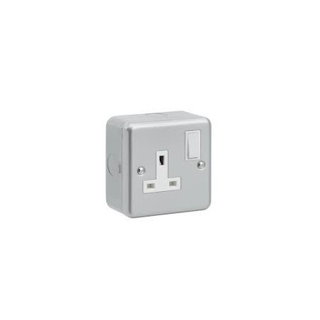 GreenBrook MC611 1Gang Switched Socket Double Pole Metalclad GreenBrook Electrical - 2