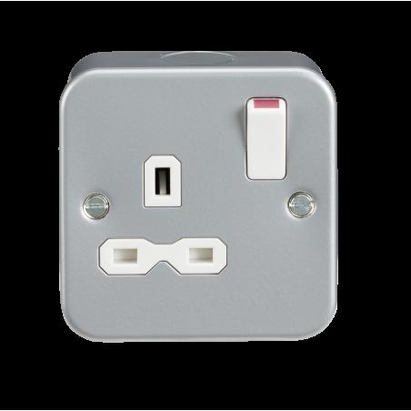 Knightsbridge MR7000 Metal Clad 13A 1G DP Switched Socket