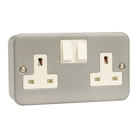 Click CL036 Socket 2G DP Switched 13A