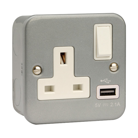 Click CL771 Switched Socket 1G 13A & USB
